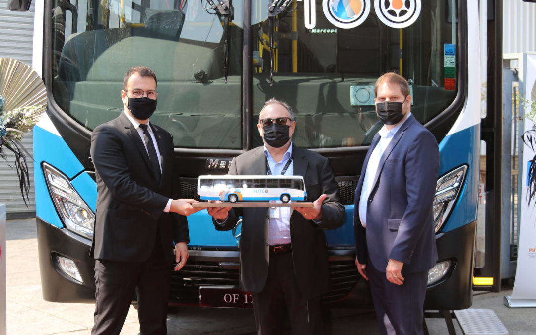 Mercedes-Benz Buses concludes the historic delivery of 100 buses to Putco Limited with the final handover of the 100th bus!